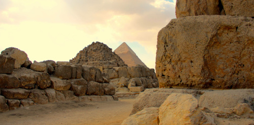 In the Eastern Necropolis, Giza. © Rory Gavin
