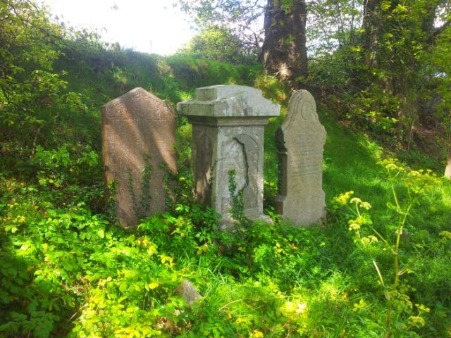 03-old-kilbride-cemetery