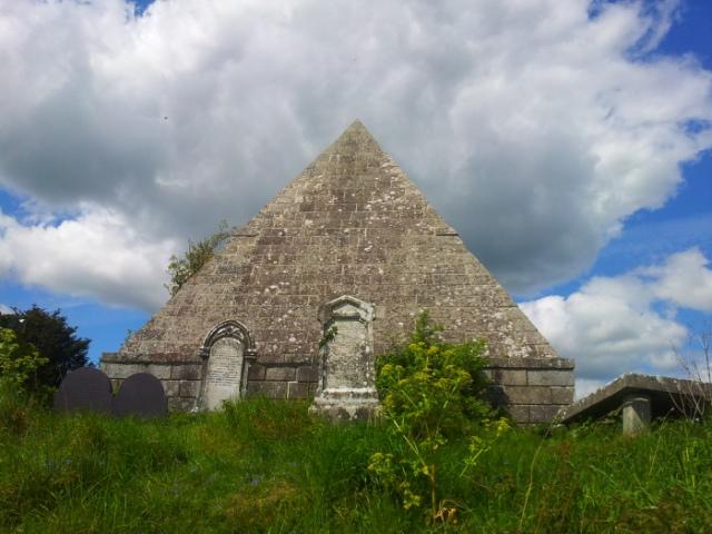 06-old-kilbride-cemetery