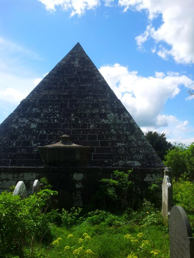 10-old-kilbride-cemetery