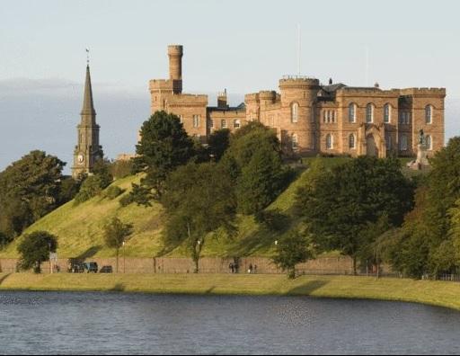 inverness castle.jpg